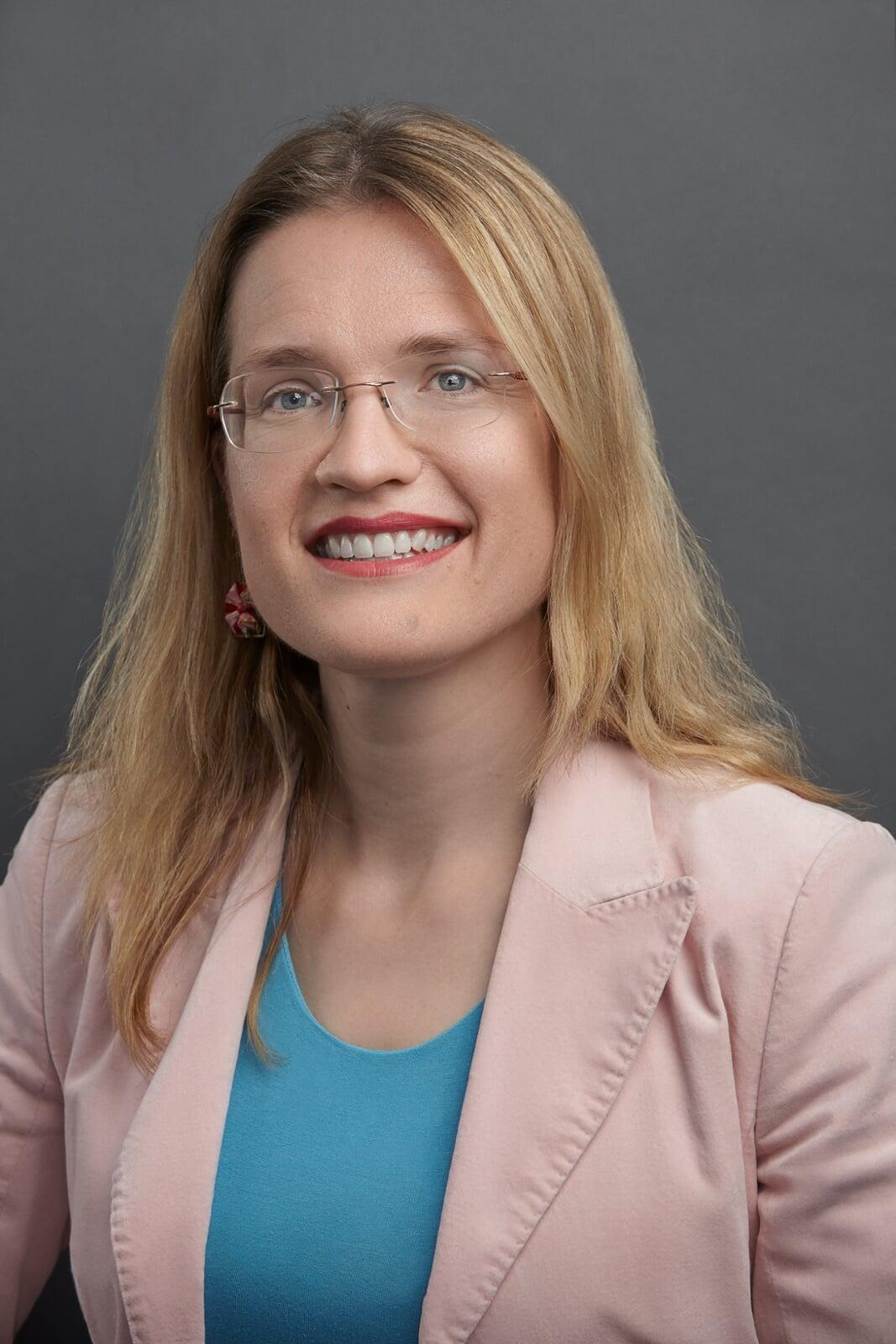 Dr. Susanne Ardisson