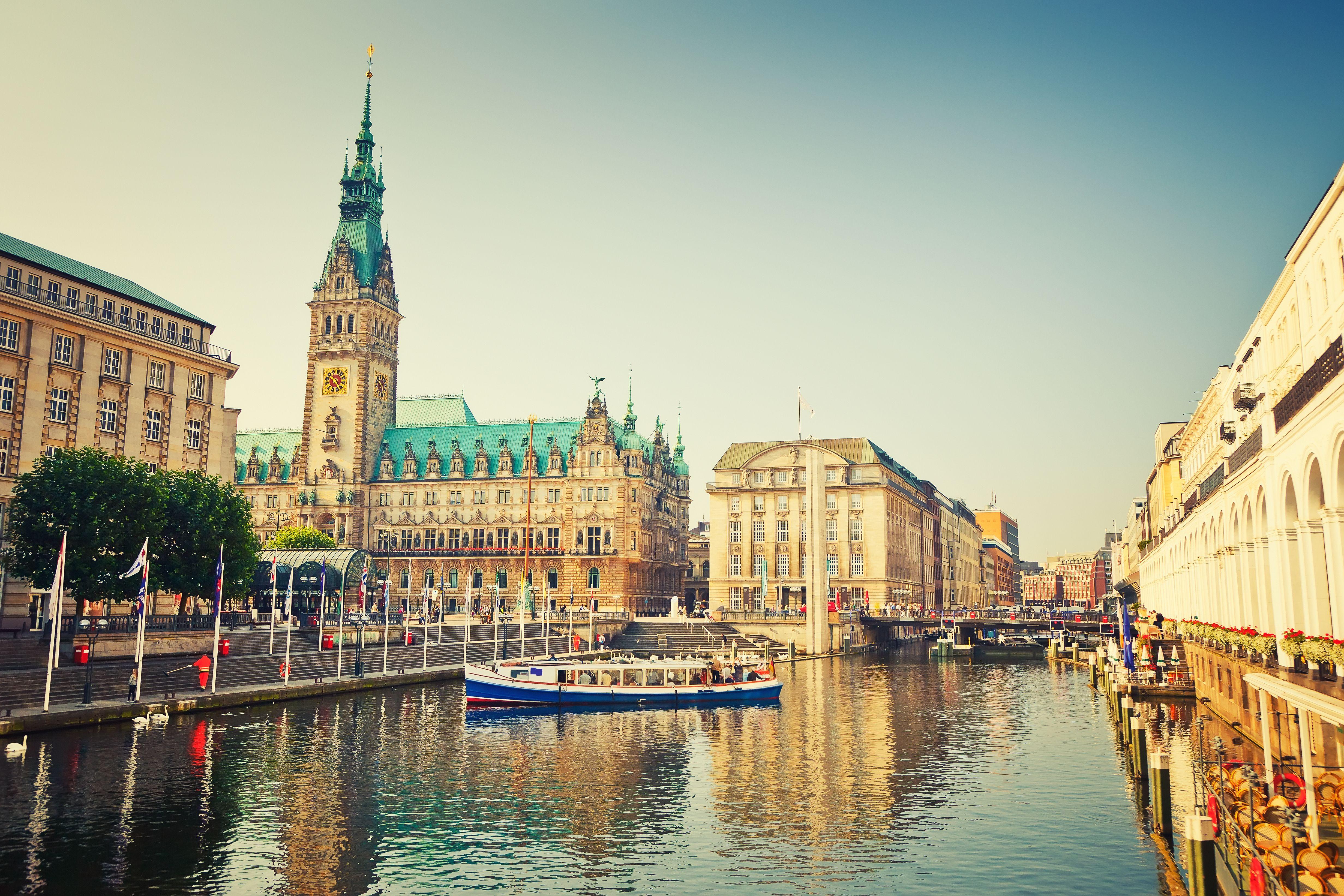 Linus Capital stellt 45-Millionen-Euro-Darlehen für den Ankauf eines Hochhauses im Herzen Hamburgs
