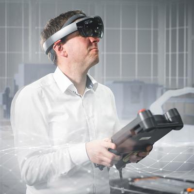 EDAG Mann mit VR Controler