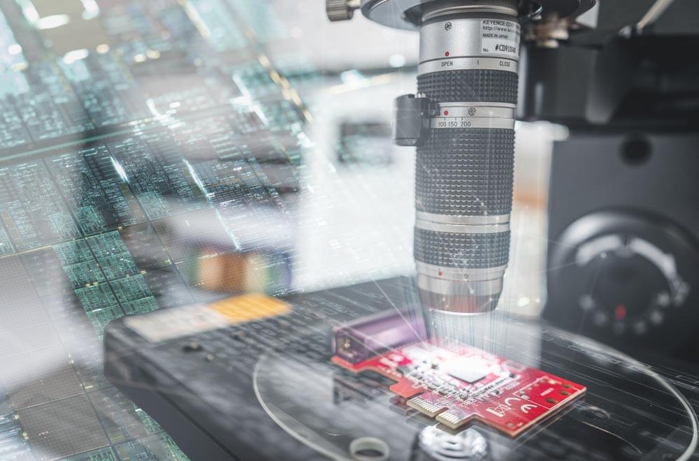 EDAG Embedded Systems: Arbeit an Platine