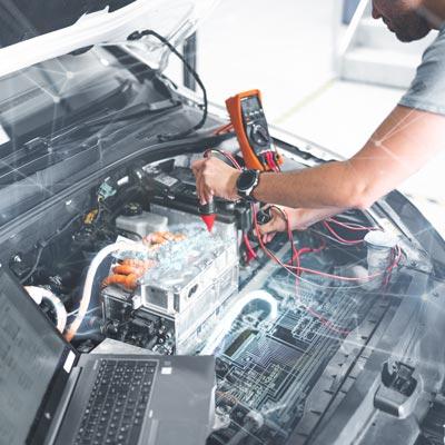 EDAG Embedded Systems: Arbeit an Fahrzeugelement
