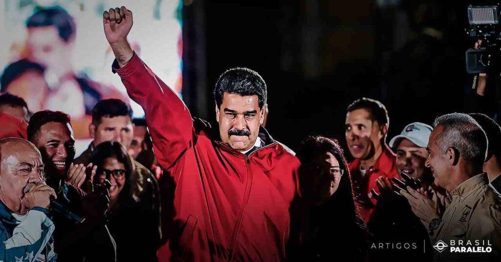 O problema econômico continua se agravando: as crises de abastecimento Quanto mais poderes Chávez acumulava, mais os empresários e investidores deixavam a Venezuela. A economia piorava. Sob o pretexto de combater a inflação, o presidente instituiu uma política de controle cambial. Uma estatal passou a controlar a venda de dólares e autorizar importações.  Como o foco das exportações era o petróleo, Chávez não se preocupou com o desenvolvimento agrícola e industrial da Venezuela.   A maior parte dos alimentos tinha que ser importada. As indústrias foram nacionalizadas e outras foram expropriadas, assim como as propriedades rurais.  Começaram as contínuas crises de abastecimento, os alimentos e produtos essenciais tornaram-se escassos. A insatisfação contaminou a população e marchas e paralisações foram organizadas.  A resposta chavista foi violenta.   Ao mesmo tempo, Hugo Chávez enfrentava graves problemas de saúde e teve que se isolar em Cuba para tratar-se de um câncer. Reeleito pela quarta vez, nem mesmo conseguiu comparecer à sua própria posse.   Hugo Chávez morreu em 5 de março de 2013. Seu substituto foi Nicolás Maduro, um de seus principais auxiliares.   O governo de Nicolás Maduro e a ditadura na Venezuela