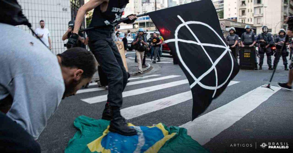 Grupos-antifascistas-no-Brasil