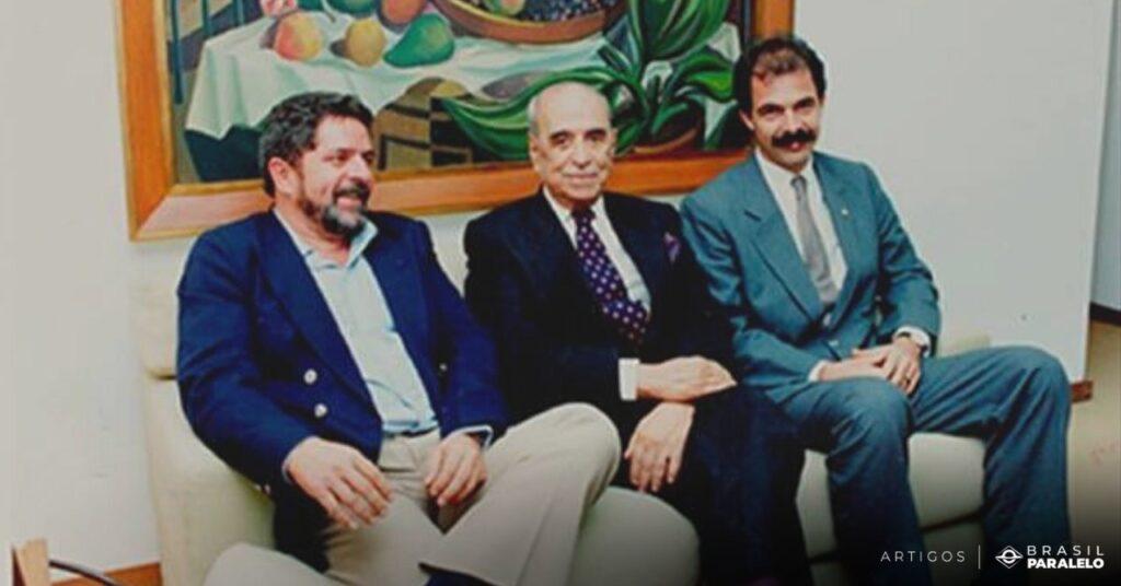 Roberto-Marinho-ao-lado-do-presidente-Lula