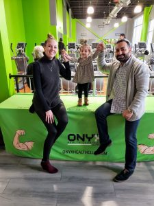Emil Gamidov At ONYX Health Club 24/7 Niles Ohio with his family