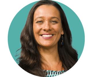 Letícia Reina é Gestora Educacional da ÁrvoreCom mais de 25 anos de experiência em escolas, Letícia é mestre em Linguística Aplicada e Estudos da Linguagem.