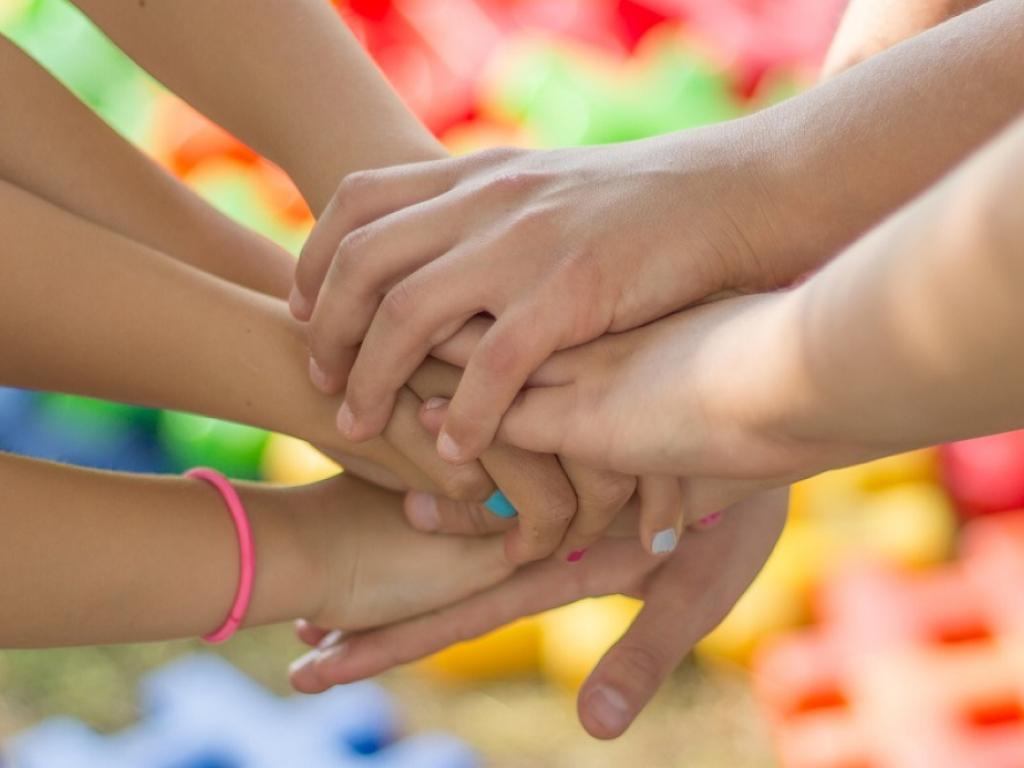 alunos juntos pela saúde mental na escola