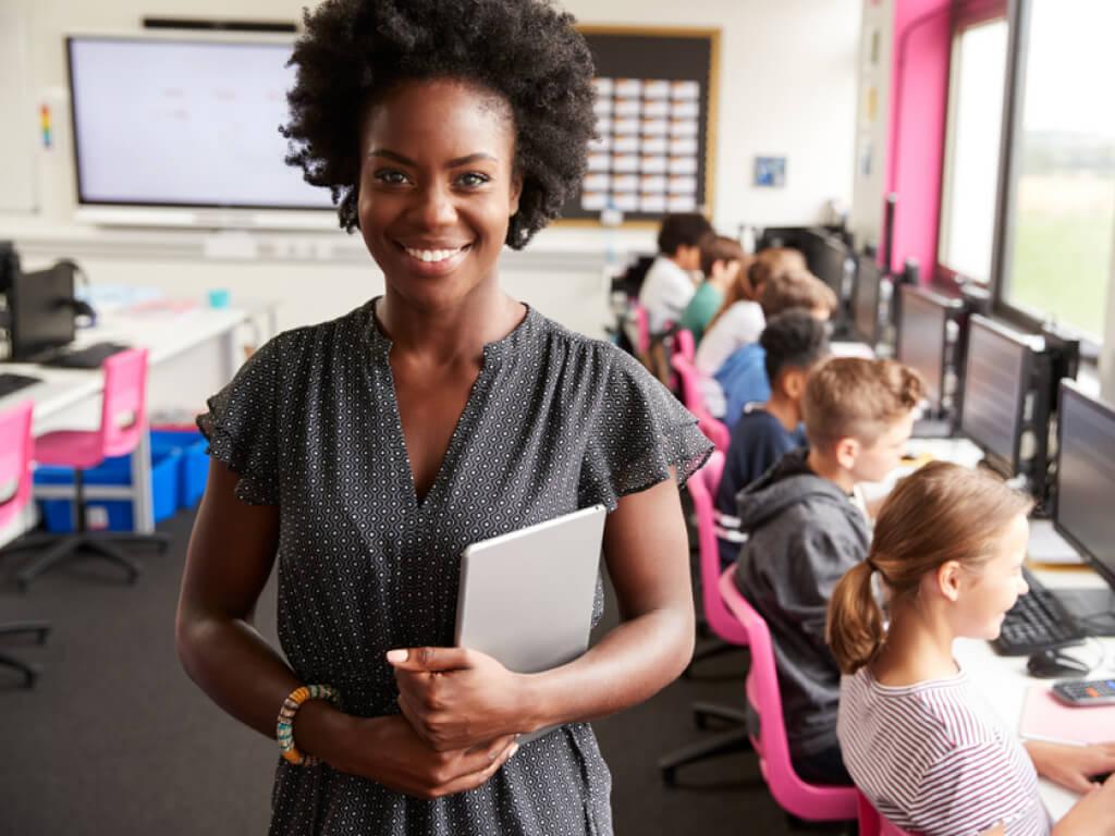 gestora escolar na escola