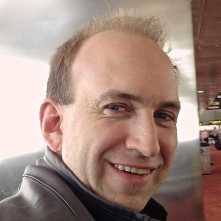 Portrait photo of blog author