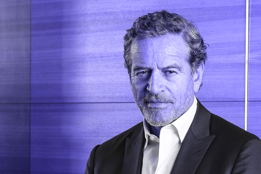 Mark is an Australian businessman who is best known as the founder/chairman of 'Wizard Home Loans'