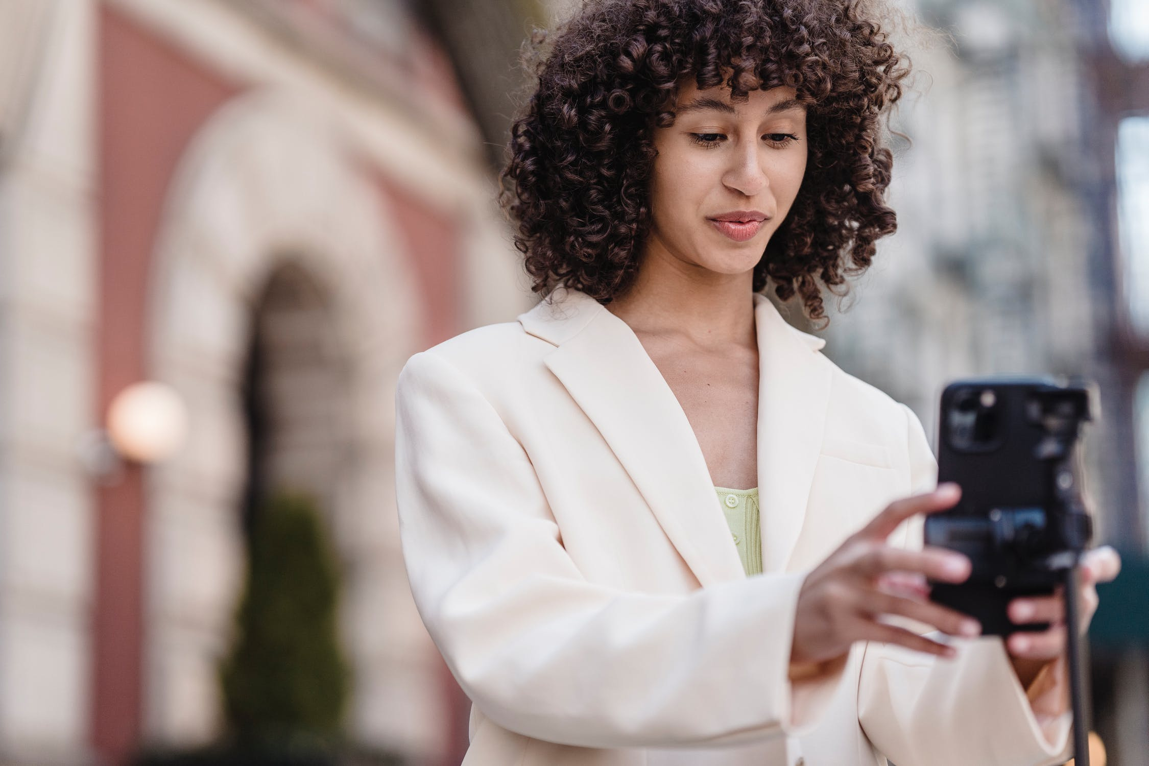 The Strong Guide to Social Commerce in 2021
