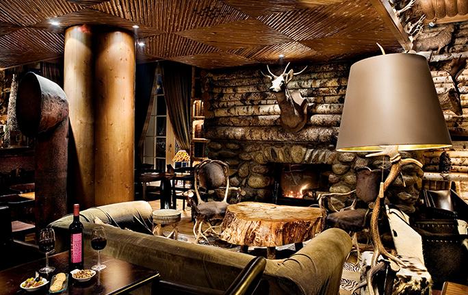 Bar du Lodge - Ambiance chaleureuse - Cocktails et grignotage - Megève