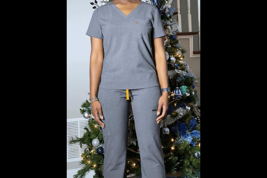nurse ashley sayles wearing poppy scrubs for poppy scrubs review