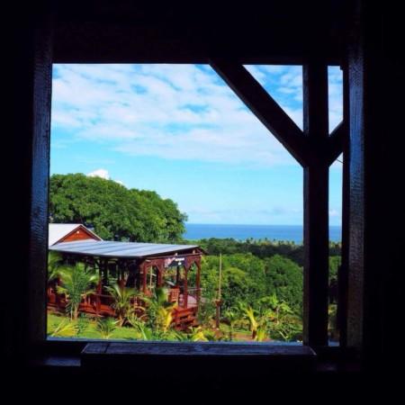 budget travel photo of tropical destination